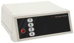 Die Lite-Base Station ist der Empfänger, der die Verbindung zwischen dem Steuercomputer mit der Voting- Software und den Abstimmpads gewährleistet.